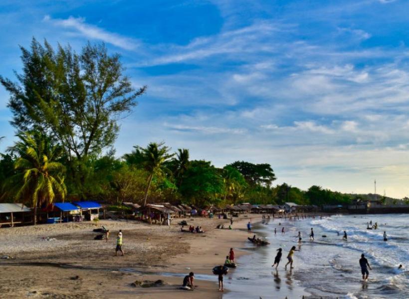 Libur Lebaran, Pantai di Pandeglang Malah Ramai