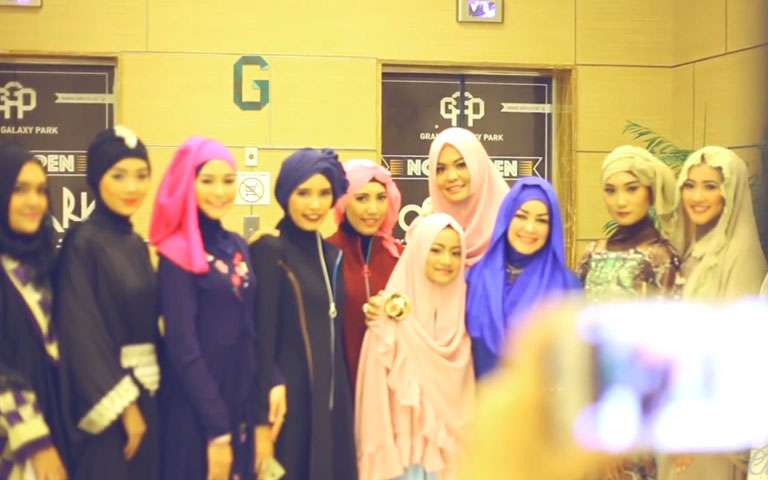 Chintami Fashion 2015 - Catwalk Fashion Show & Hijab Workshop in Grand Galaxy Mall(Behind The Scene)